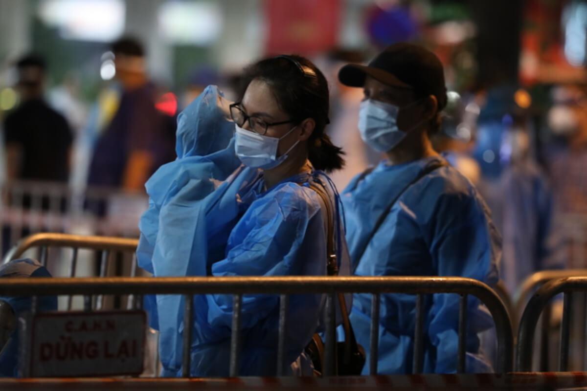 ベトナム:感染者1万2339人、第4波で57万人超 9日夜発表