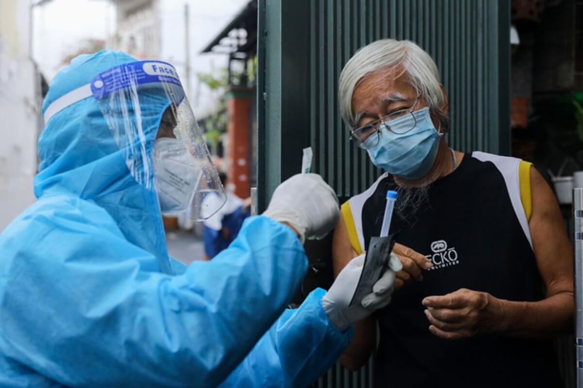 ベトナム:感染者1万2017人、第4波で60万人超 12日夜発表