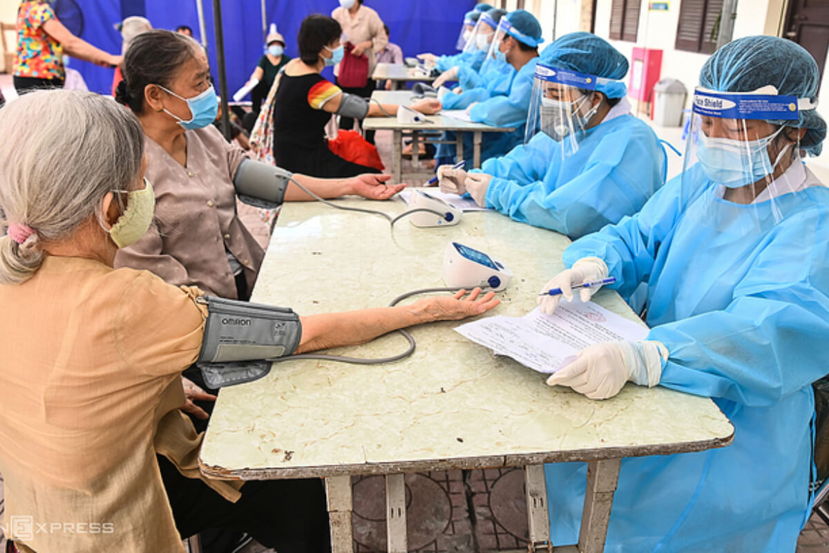ベトナム:感染者1万1168人、前日より301人減 13日夜発表
