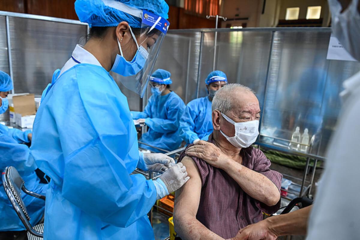 ベトナム:感染者8668人、前日より1357人減 20日夜発表