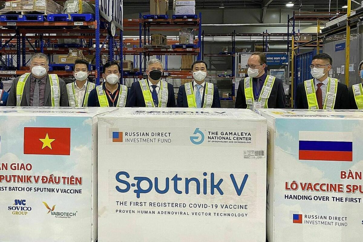 ロシア製ワクチン「スプートニクV」74万回分がベトナム到着