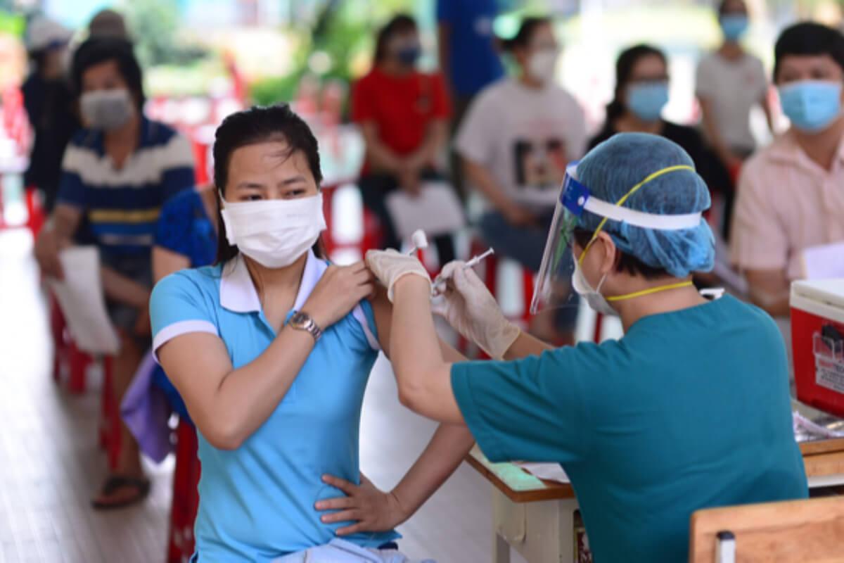 ベトナム:感染者5367人、第4波で累計80万人超 3日発表