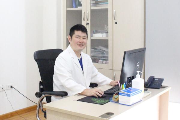日本人総合診療医の黒川医師が着任しました|さくらクリニックハノイ