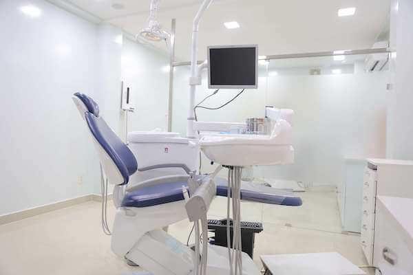 やくり歯科,ホーチミン,歯科,歯医者,日本人,医師